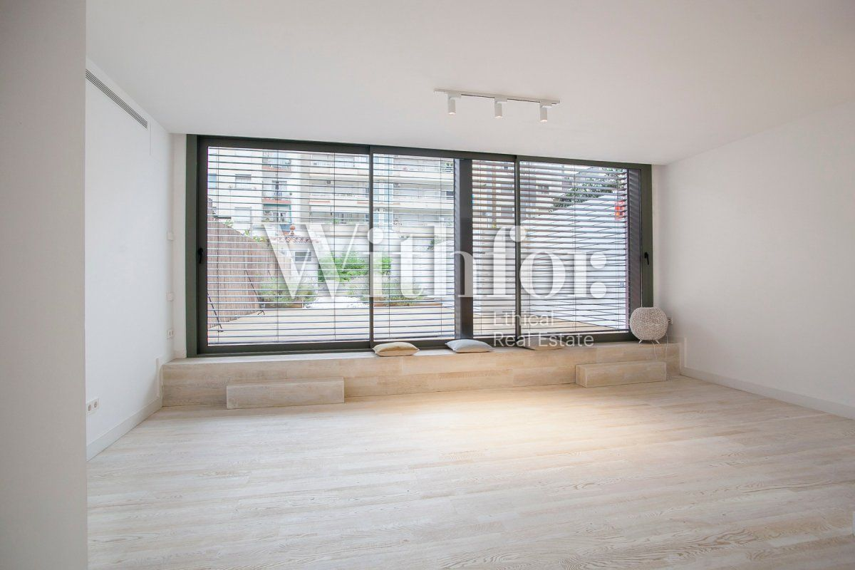 Bright apartment with terrace on Passeig Sant Joan - 12