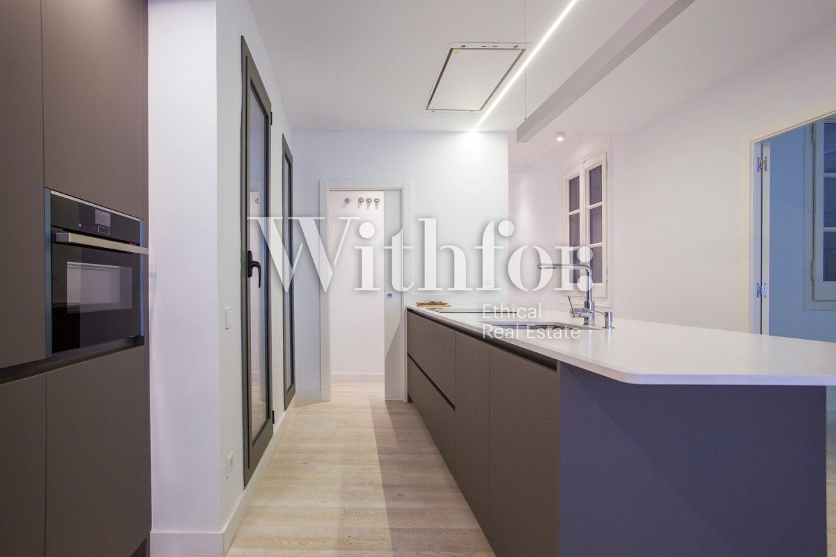 Bright apartment with terrace on Passeig Sant Joan - 18
