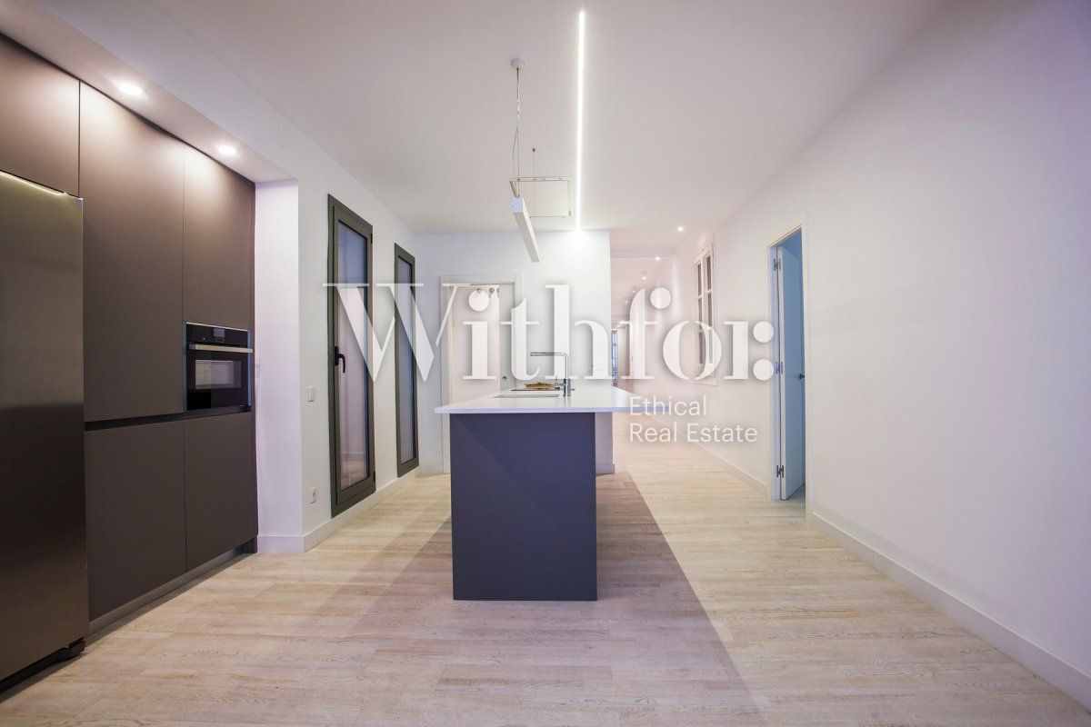 Bright apartment with terrace on Passeig Sant Joan - 19