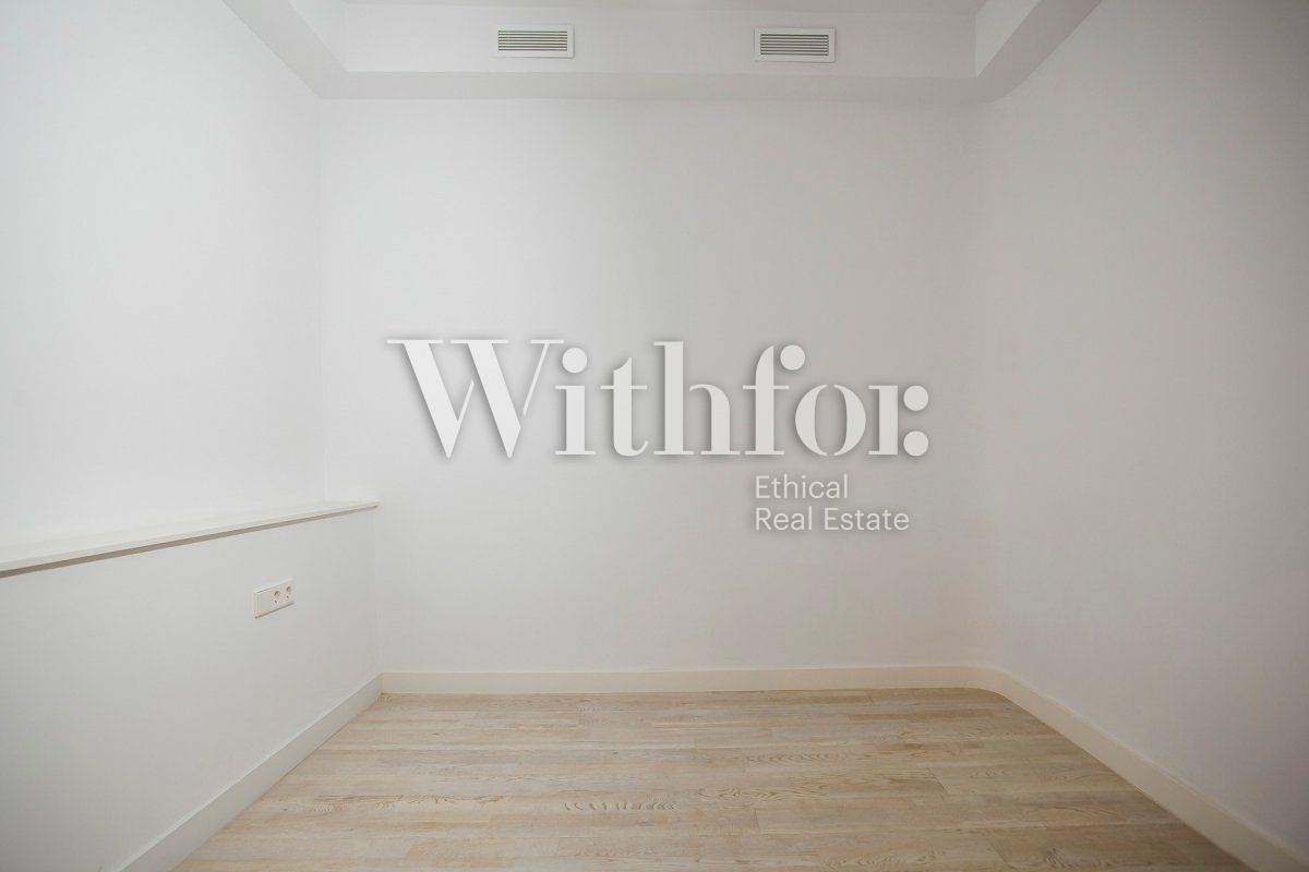 Bright apartment with terrace on Passeig Sant Joan - 24