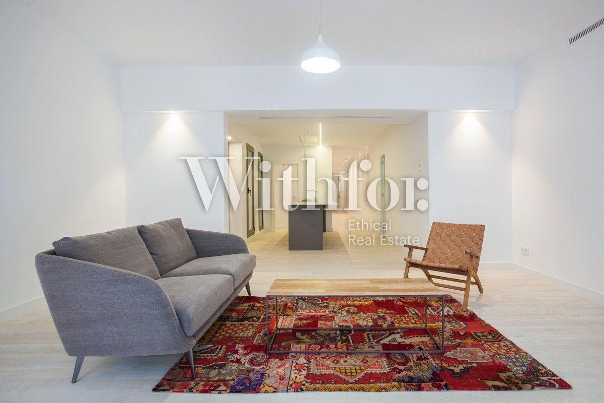 Bright apartment with terrace on Passeig Sant Joan - 3