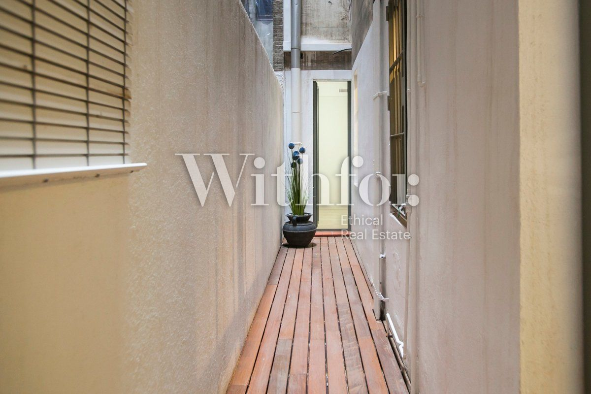 Bright apartment with terrace on Passeig Sant Joan - 37