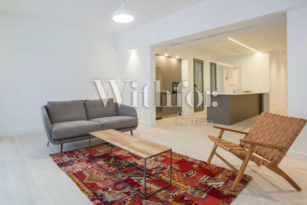 Bright apartment with terrace on Passeig Sant Joan - 4