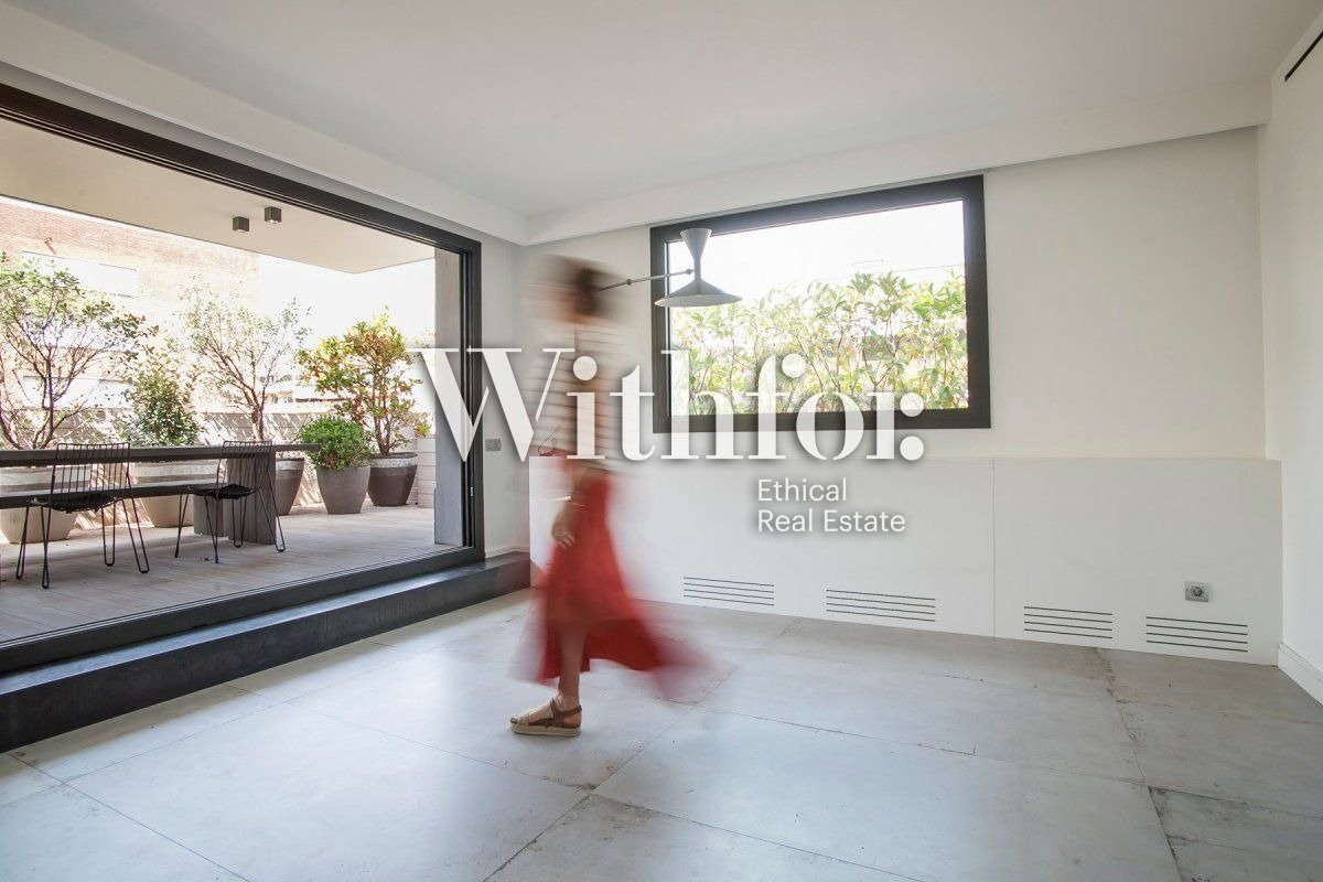 Magnificent penthouse with 85m2 terrace next to Plaza Gregori Tramaturg - 2