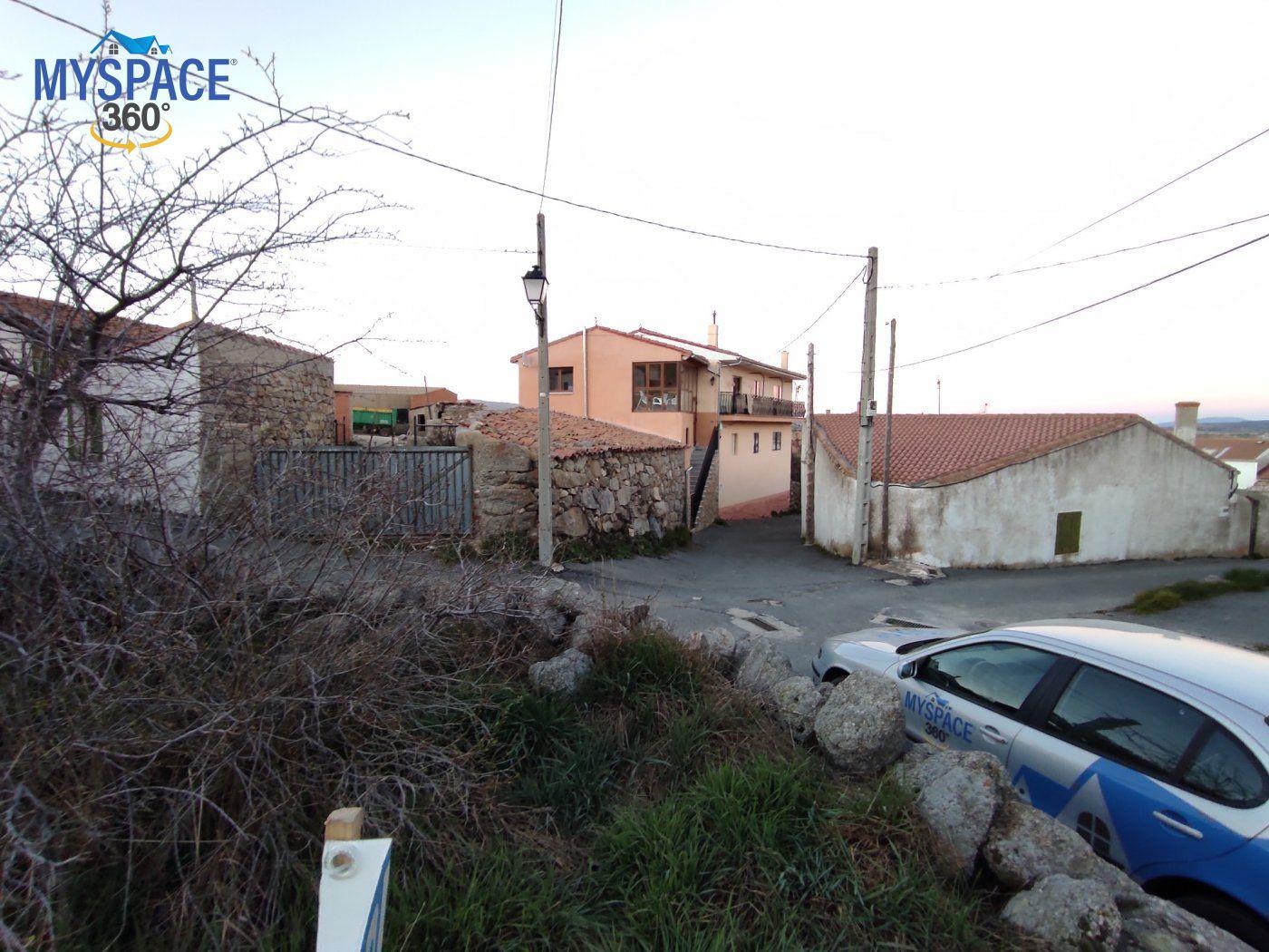 Parcela urbana en venta en Muñotello