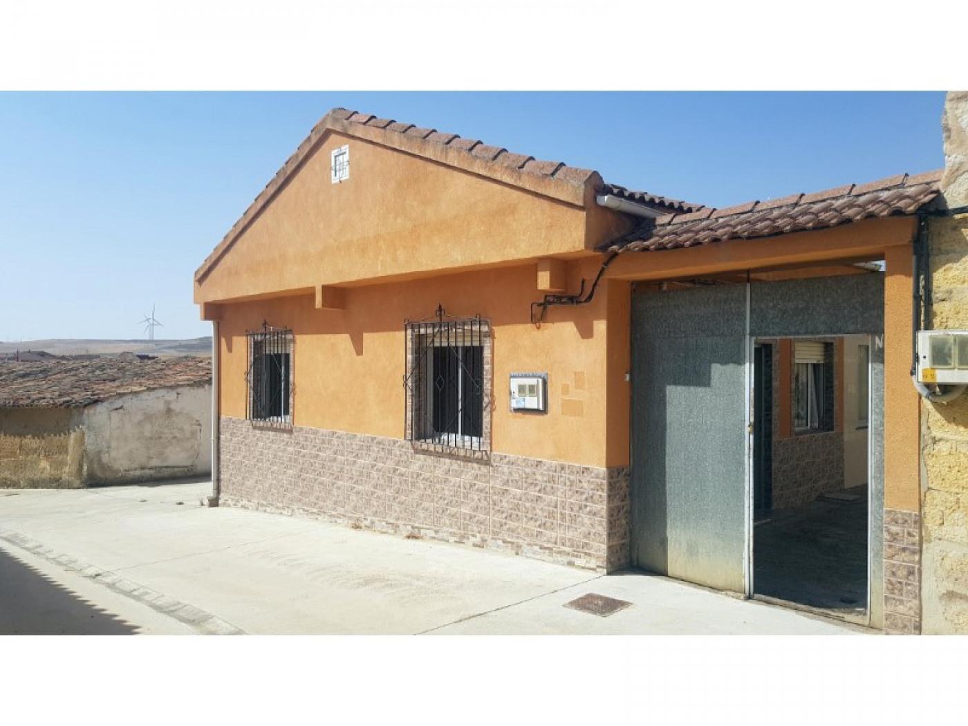 casa-de-pueblo en torrelobaton · - 32000€