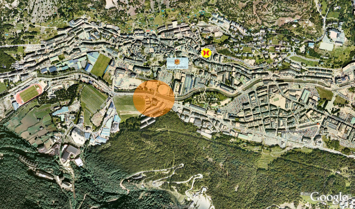 Pis de fàcil accés en zona residencial a peu de centre