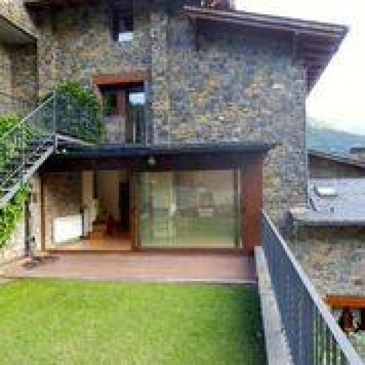 Casa amb magnífiques vistes en zona residencial molt tranquila