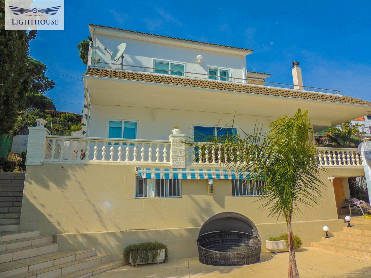 Villa for rent in Condado del Jaruco, Lloret de Mar
