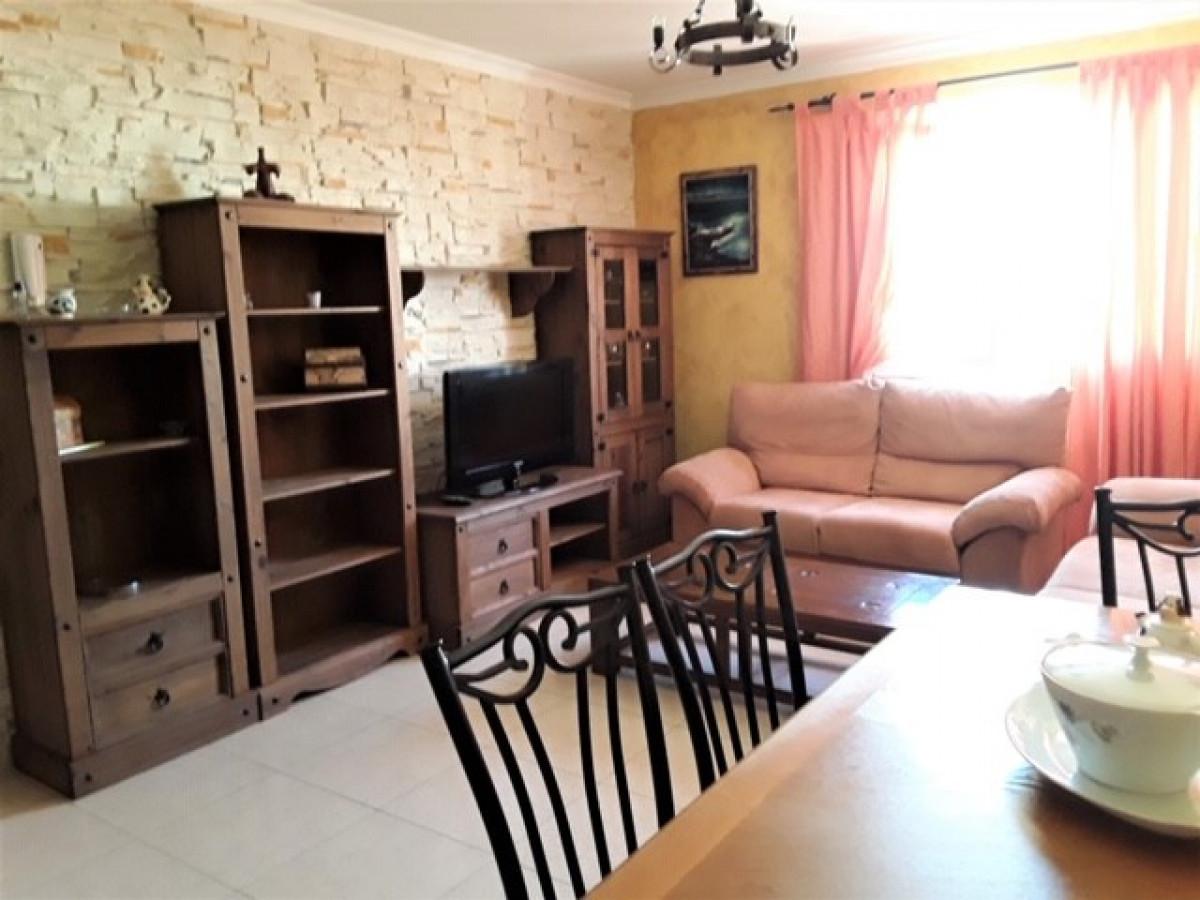 piso en santa-lucia-de-tirajana · vecindario 495€