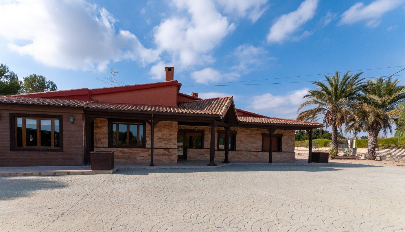 Precioso Chalet en Valverde Bajo con todo lo que necesitas