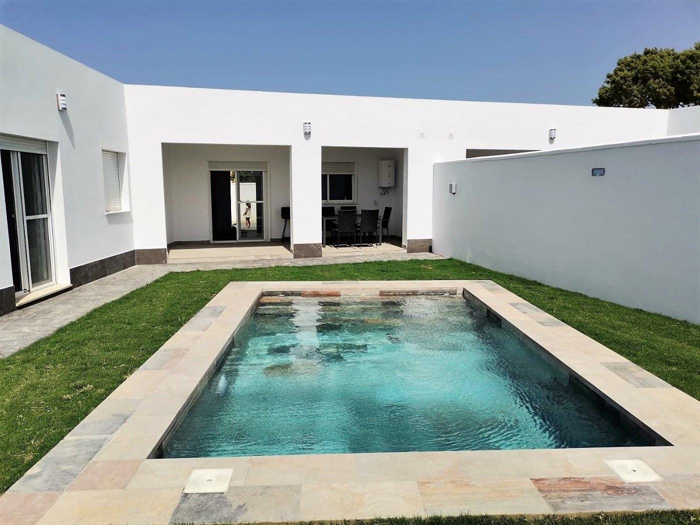 Villa for rent in El sotillo, Chiclana de la Frontera