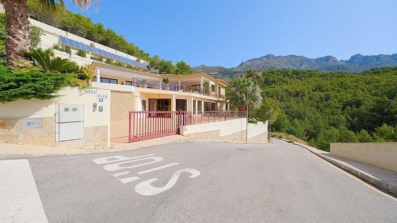 Villa de lujo con impresionantes vistas al mar y a la bahía de altea - imagenInmueble3