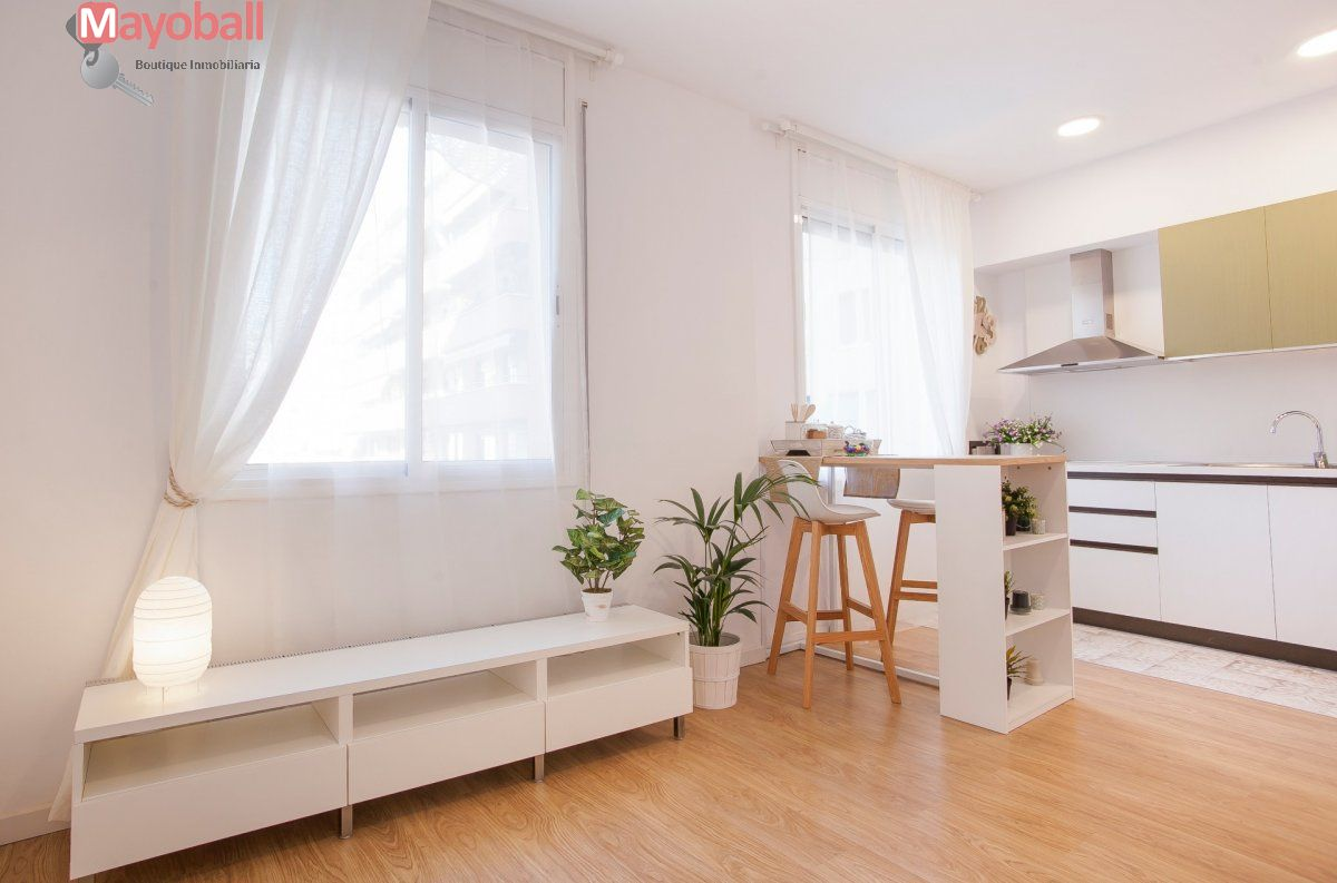 Flat for sale in El Poblenou, Barcelona