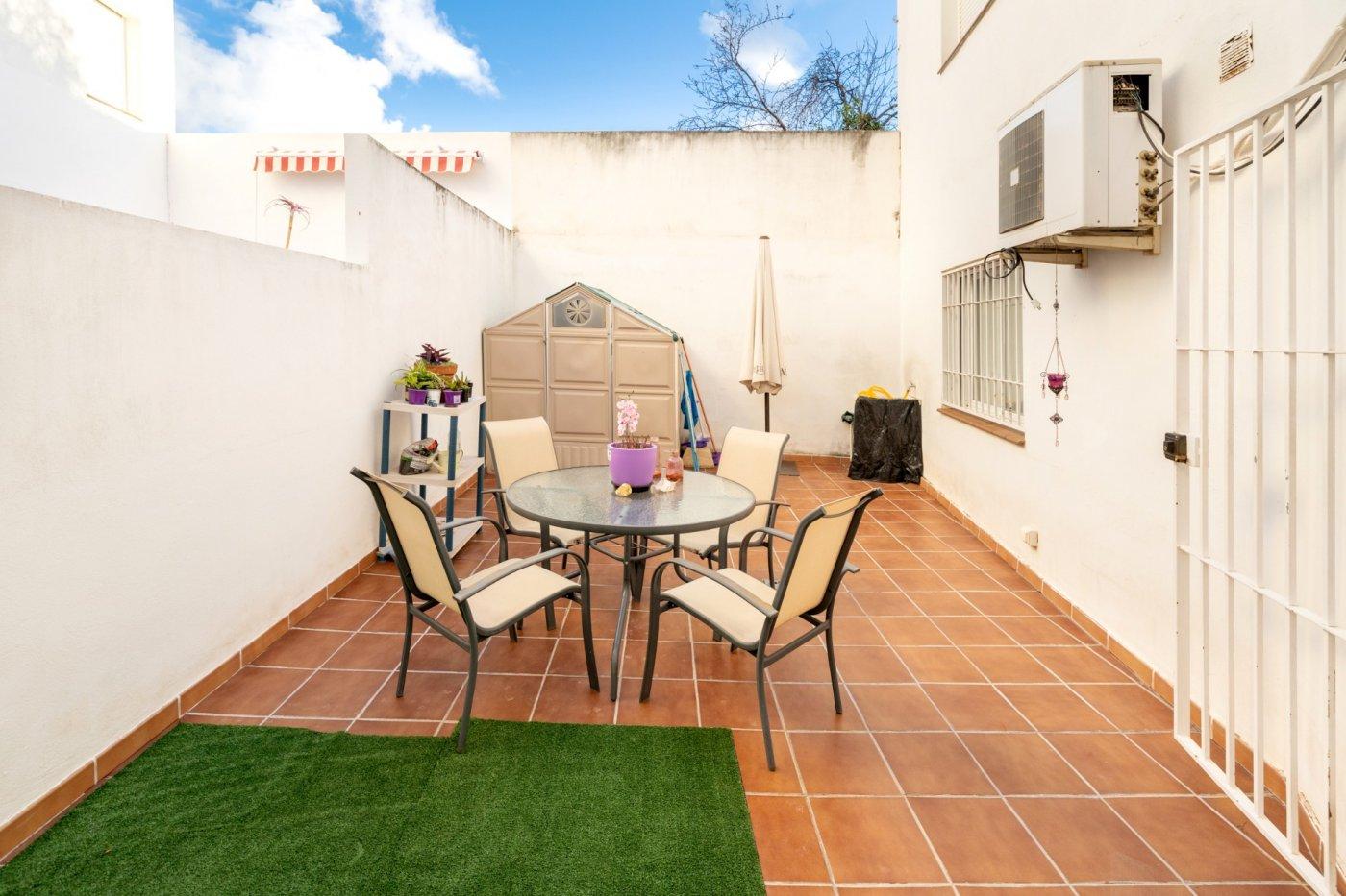 Piso con amplia terraza, Granada