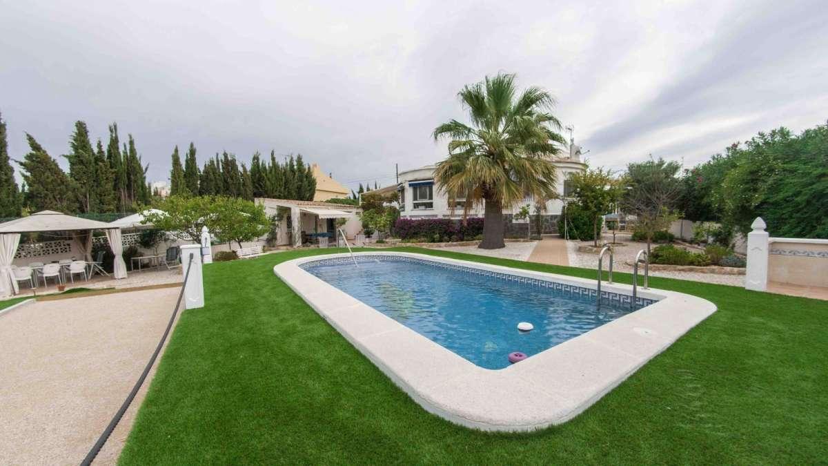 villa en torrevieja · torrevieja 265000€