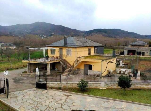 Casa en venta en Horta, Villafranca del Bierzo