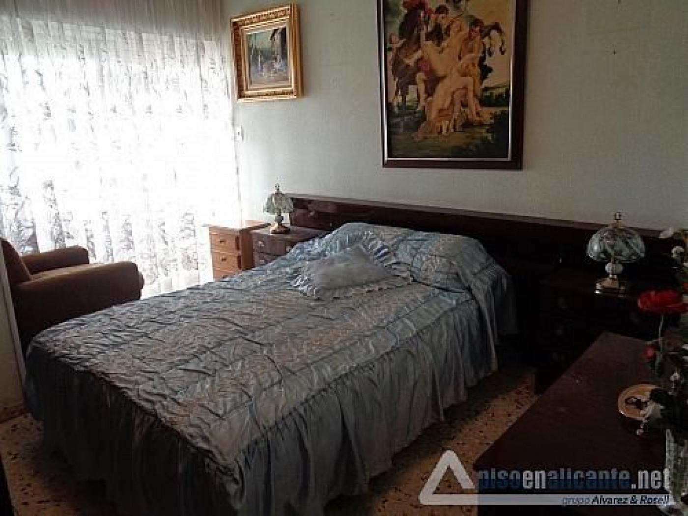 Vivienda de cuatro dormitorios - imagenInmueble4