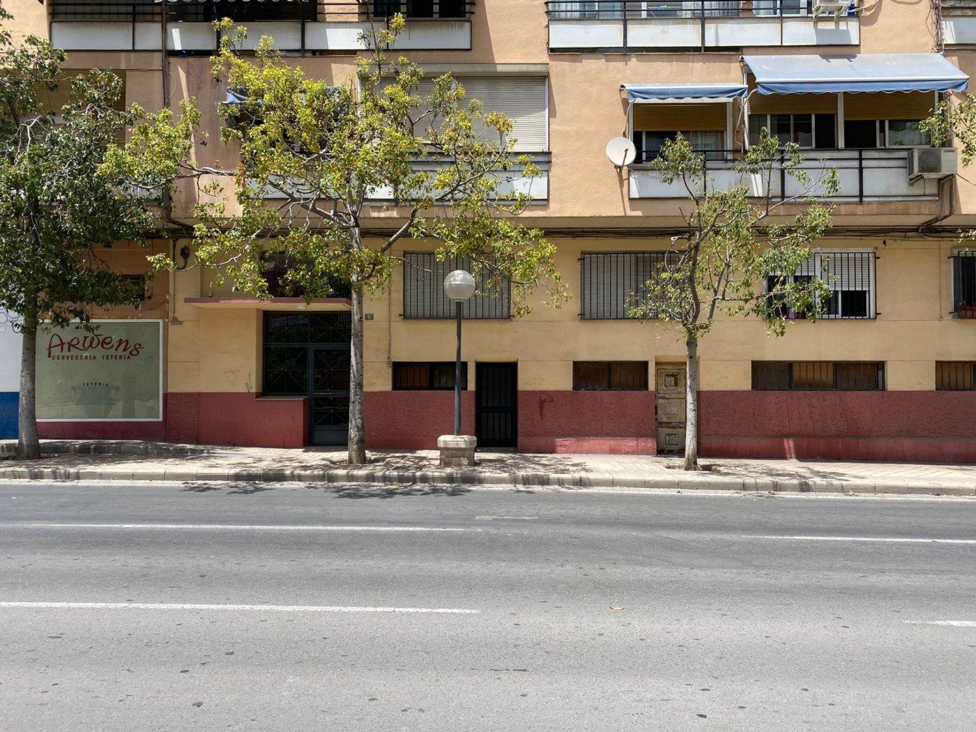 Local en avenida gran via - imagenInmueble3