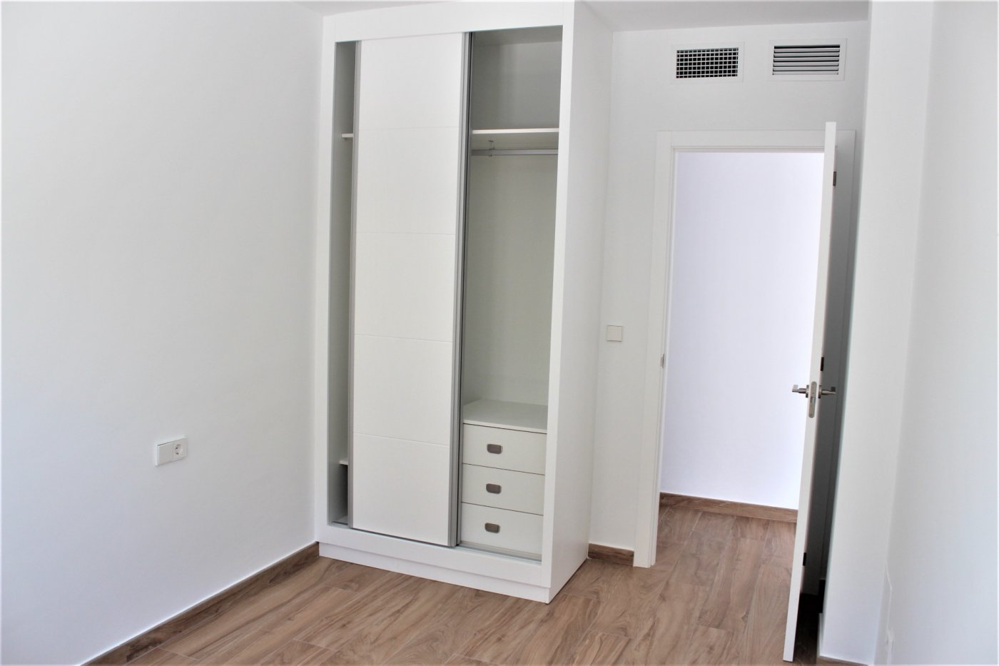 Moderno apartamento planta baja en el mojón - imagenInmueble7