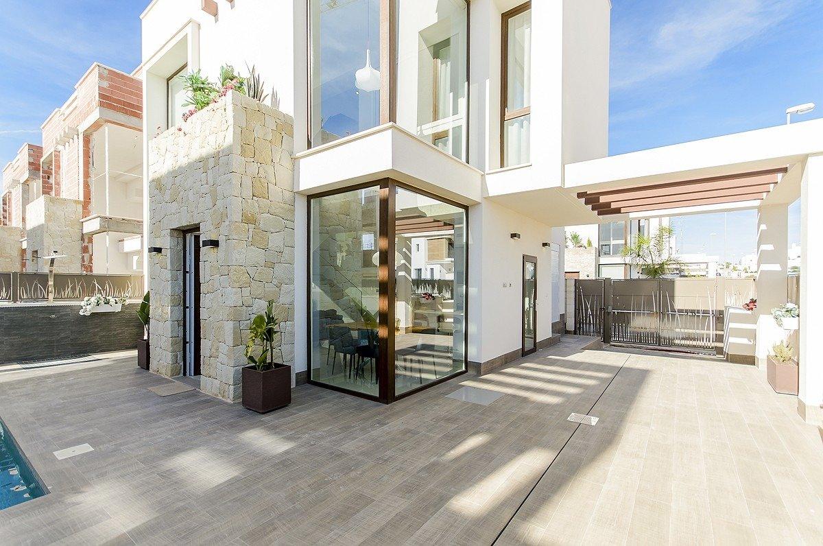 Villa de obra nueva en playa honda - imagenInmueble1