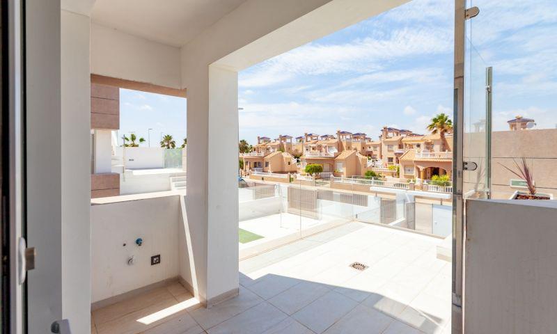 Nuevo residencial ubicado en la conocida urbanización de el raso - imagenInmueble14