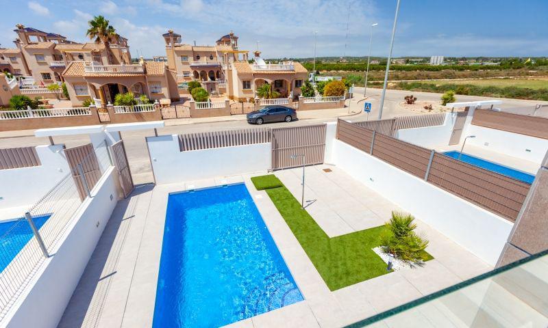 Nuevo residencial ubicado en la conocida urbanización de el raso - imagenInmueble15