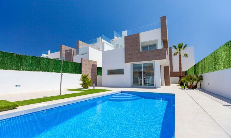 Nuevo residencial ubicado en la conocida urbanización de el raso - imagenInmueble1