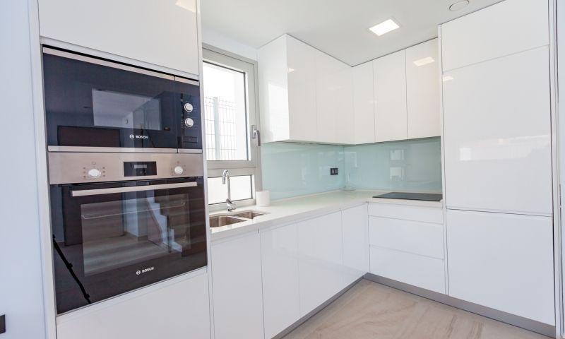 Nuevo residencial ubicado en la conocida urbanización de el raso - imagenInmueble24