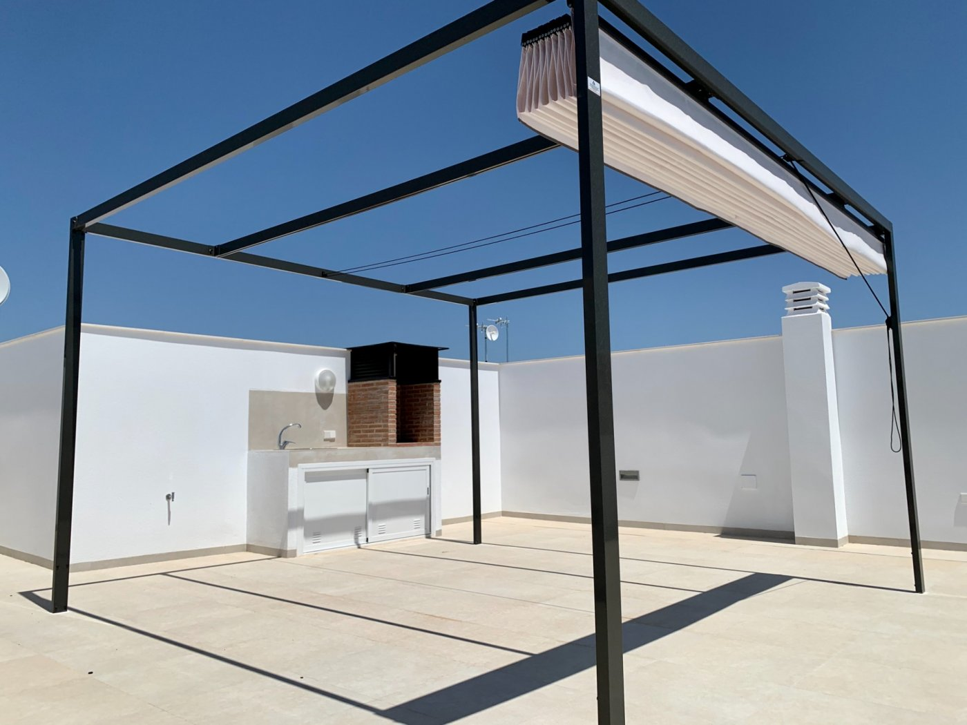 Casa adosada moderna en esquina en pilar de la horadada - imagenInmueble10