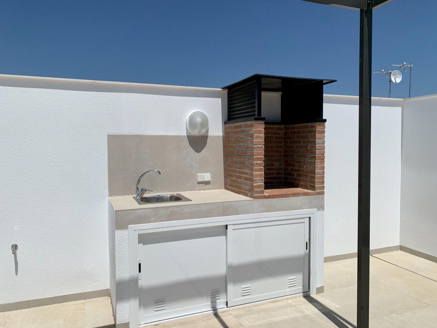 Casa adosada moderna en esquina en pilar de la horadada - imagenInmueble11