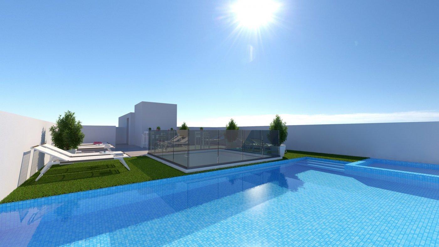 Apartamentos nuevos con piscina en cubierta a 100 m de la playa en torrevieja - imagenInmueble0