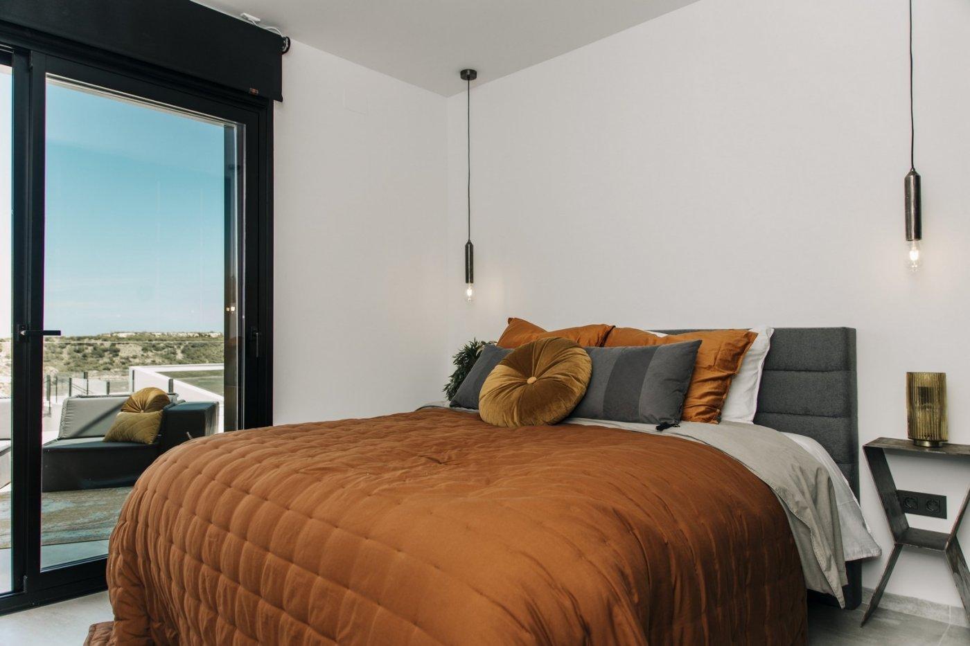 Villa de diseño con una superficie total de 250 metros cuadrados con vistas a guardamar y  - imagenInmueble13