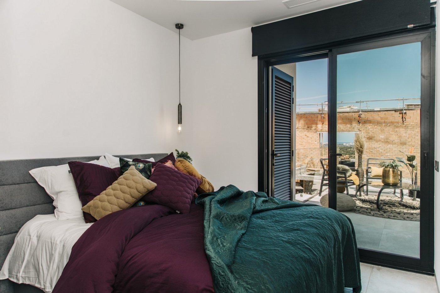 Villa de diseño con una superficie total de 250 metros cuadrados con vistas a guardamar y  - imagenInmueble16