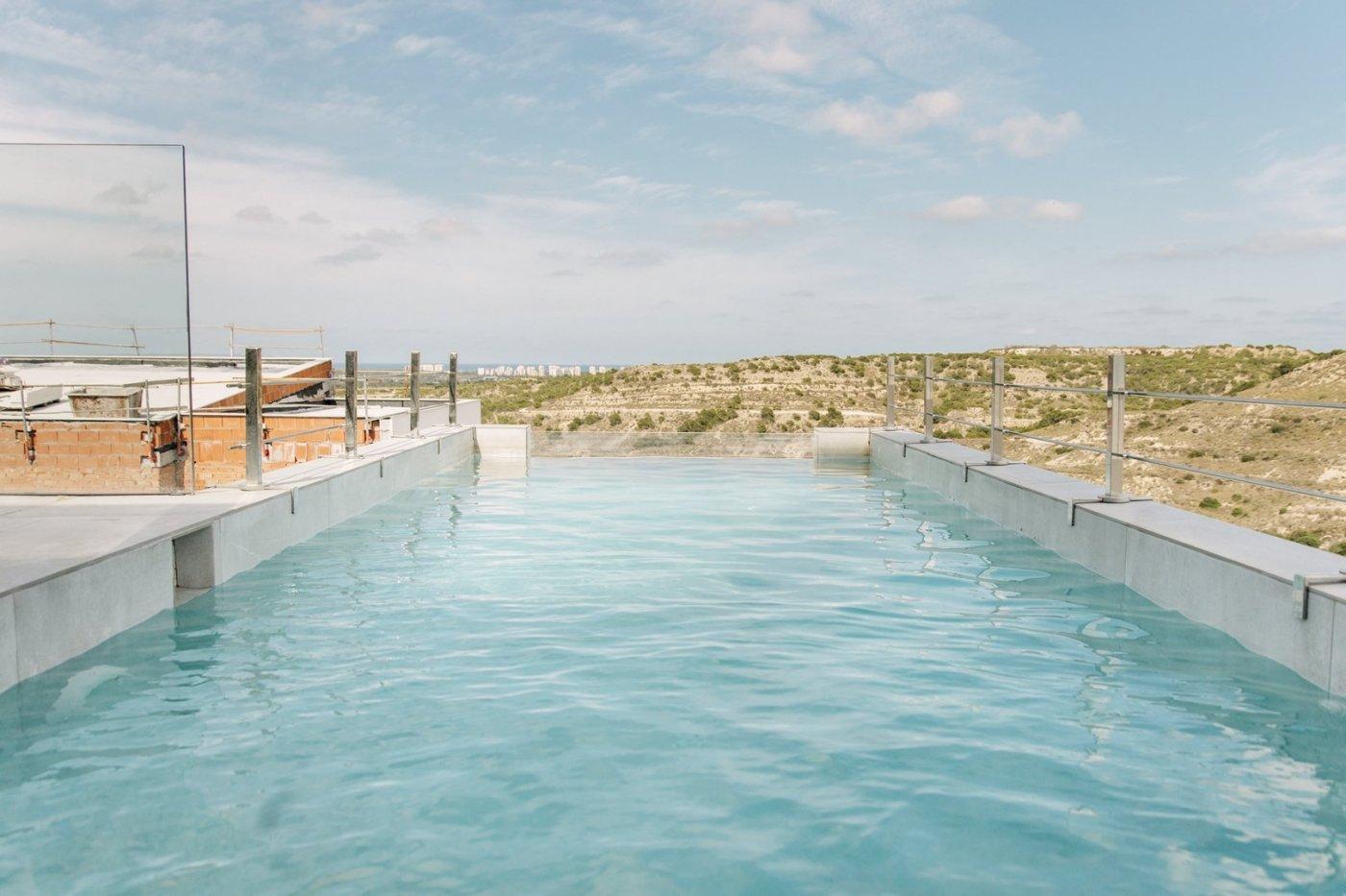 Villa de diseño con una superficie total de 250 metros cuadrados con vistas a guardamar y  - imagenInmueble1
