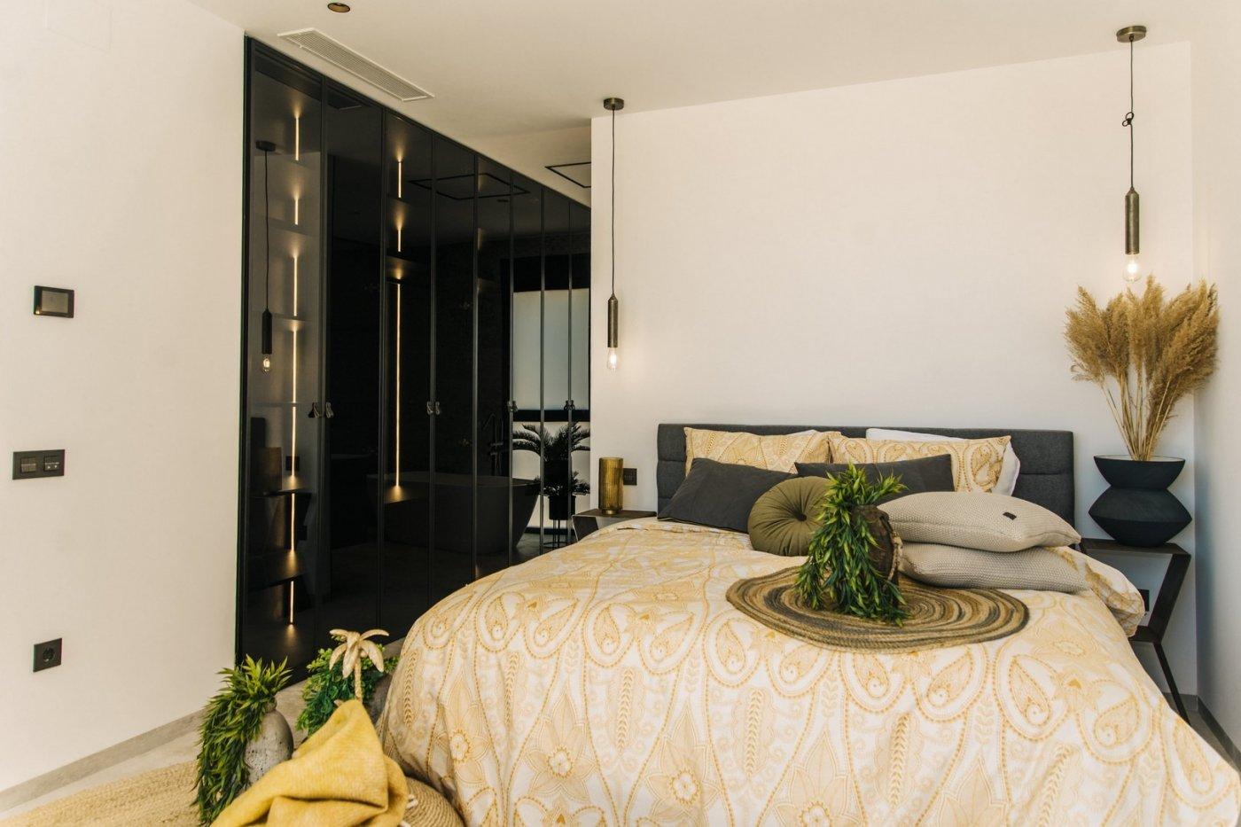 Villa de diseño con una superficie total de 250 metros cuadrados con vistas a guardamar y  - imagenInmueble19
