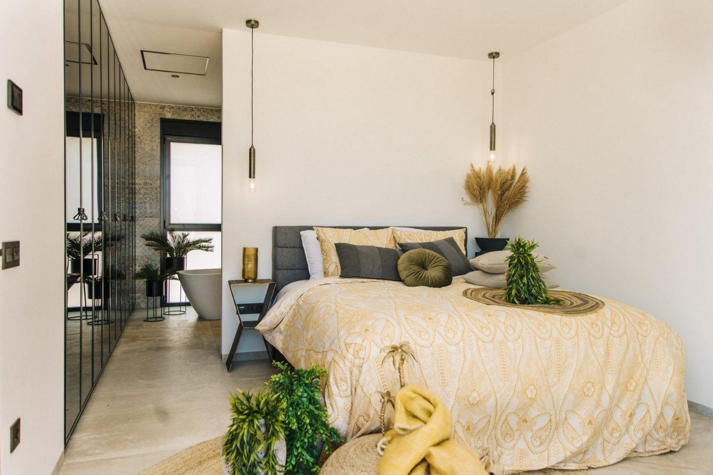 Villa de diseño con una superficie total de 250 metros cuadrados con vistas a guardamar y  - imagenInmueble20