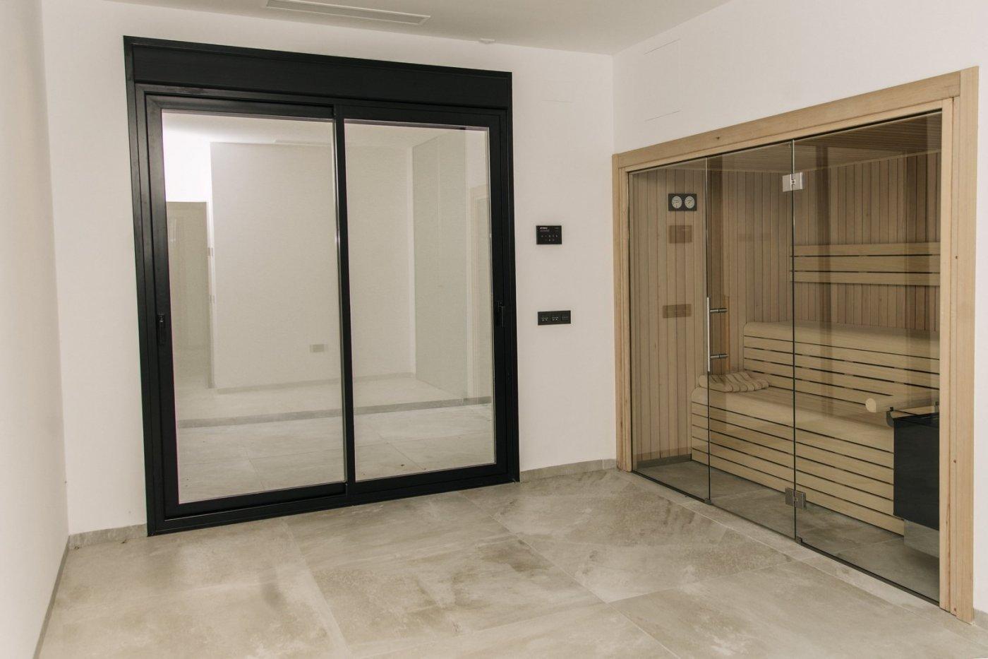 Villa de diseño con una superficie total de 250 metros cuadrados con vistas a guardamar y  - imagenInmueble22