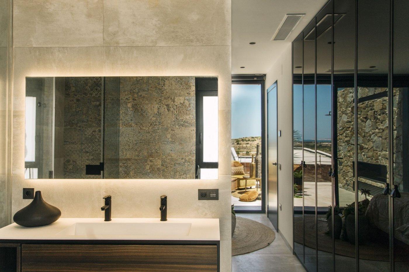 Villa de diseño con una superficie total de 250 metros cuadrados con vistas a guardamar y  - imagenInmueble24