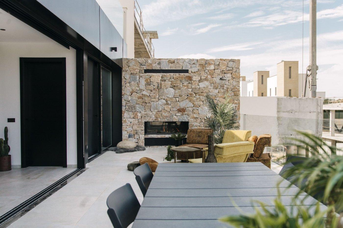 Villa de diseño con una superficie total de 250 metros cuadrados con vistas a guardamar y  - imagenInmueble2