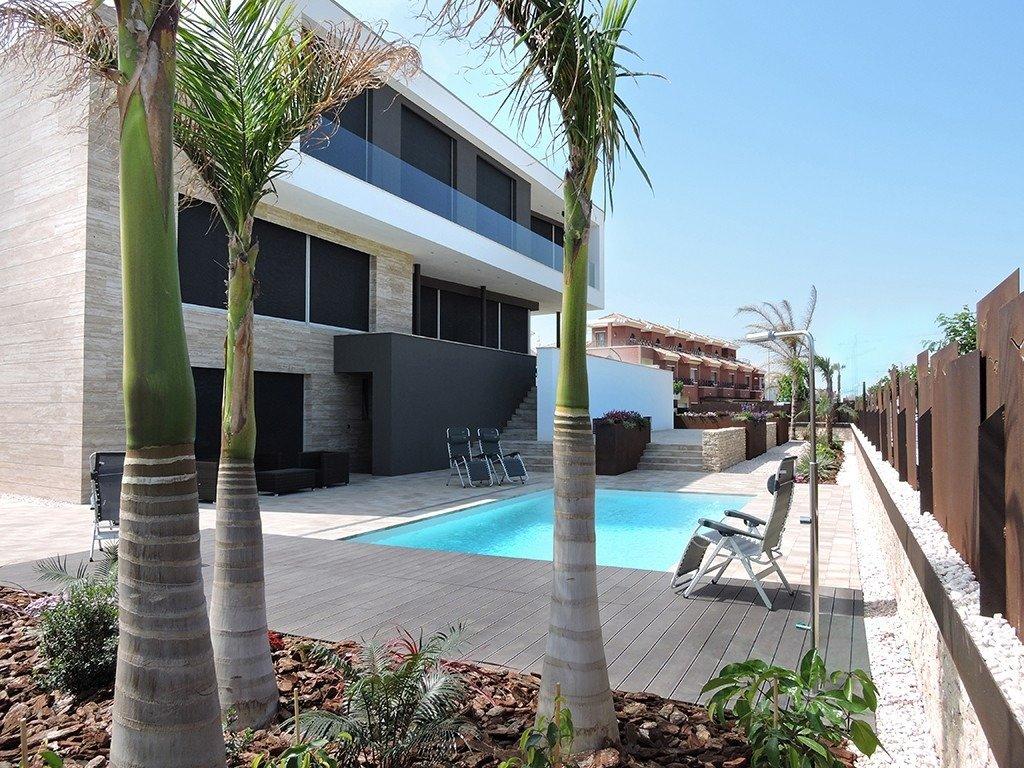 Villa moderna en primera lÍnea de playa (las higuericas) - imagenInmueble0
