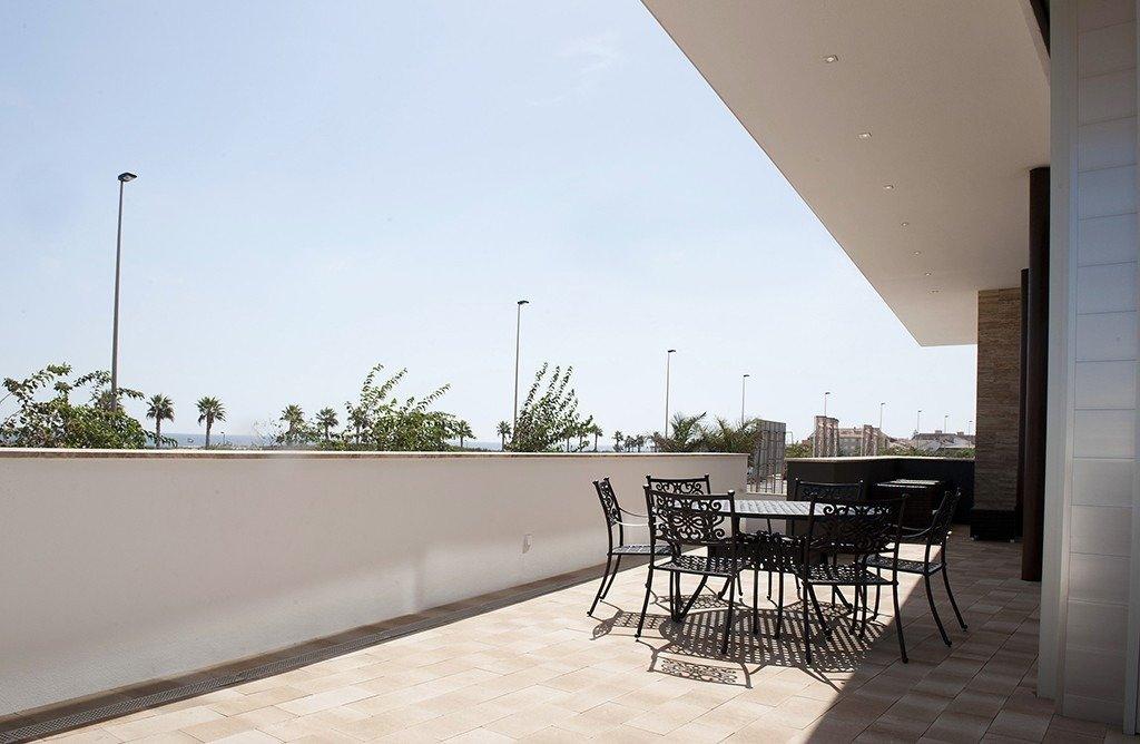 Villa moderna en primera lÍnea de playa (las higuericas) - imagenInmueble10