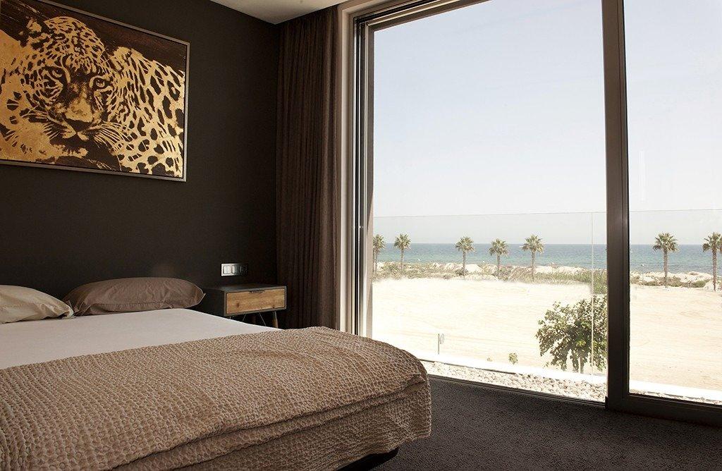 Villa moderna en primera lÍnea de playa (las higuericas) - imagenInmueble33