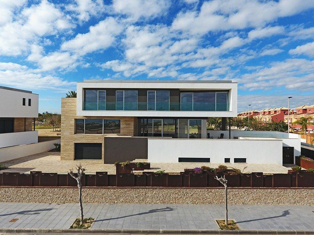 Villa moderna en primera lÍnea de playa (las higuericas) - imagenInmueble5