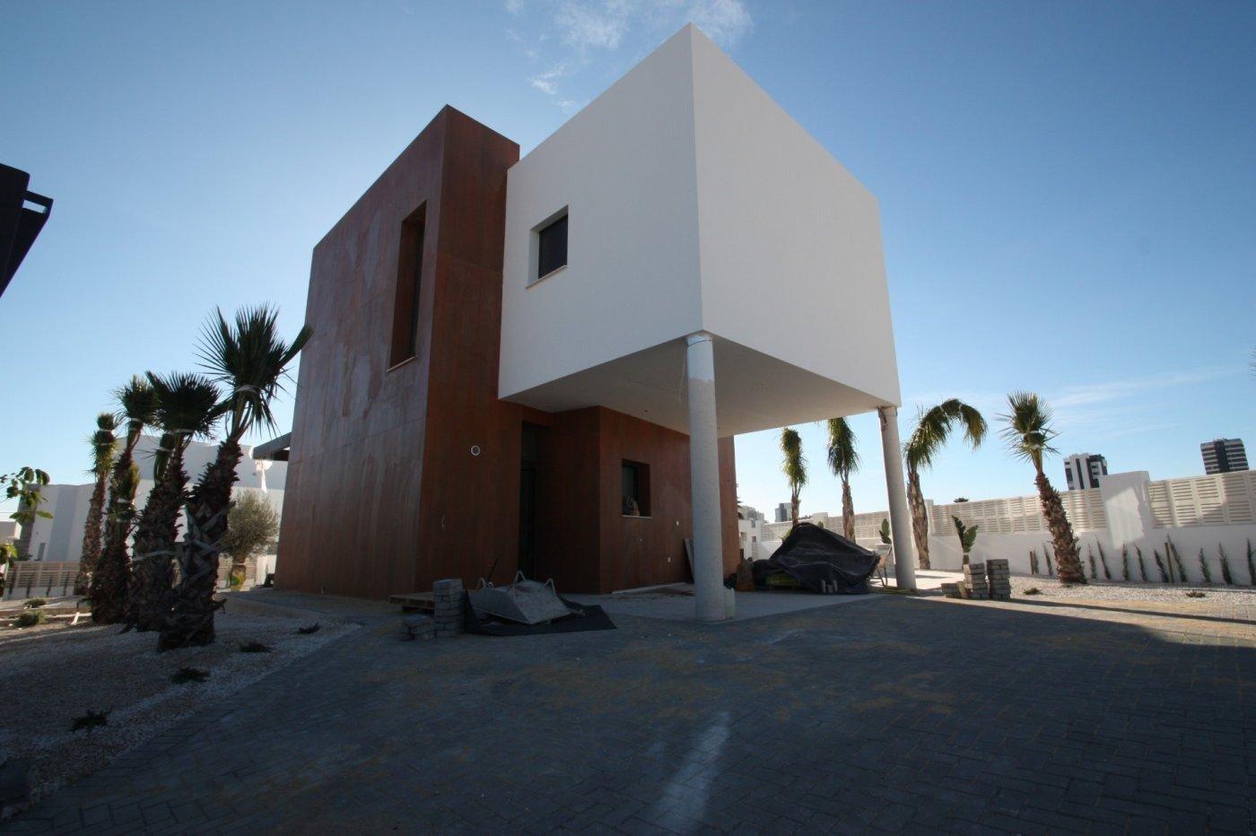 Villa de obra nueva de estilo moderno en venta en calpe a 600 m de la playa - imagenInmueble11