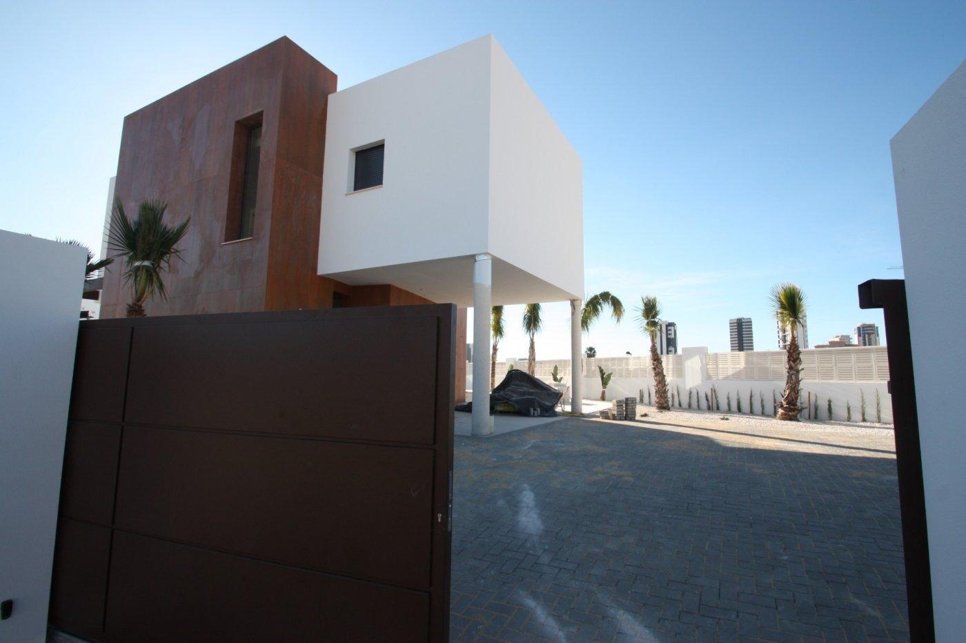 Villa de obra nueva de estilo moderno en venta en calpe a 600 m de la playa - imagenInmueble12