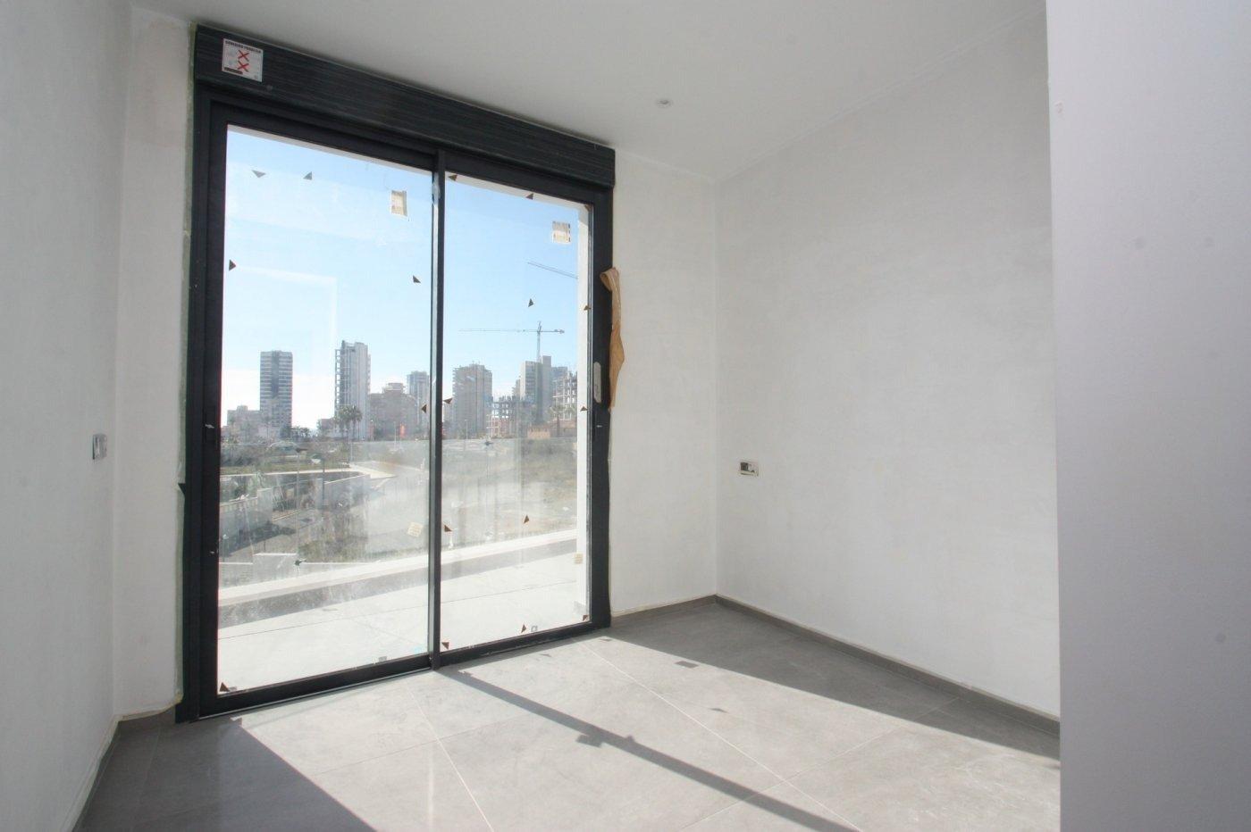 Villa de obra nueva de estilo moderno en venta en calpe a 600 m de la playa - imagenInmueble24