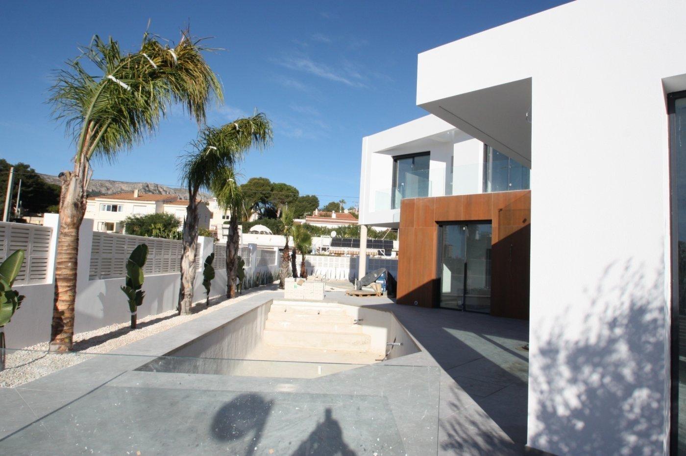 Villa de obra nueva de estilo moderno en venta en calpe a 600 m de la playa - imagenInmueble8