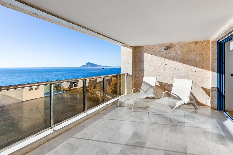 Fantásticos apartamentos turísticos en primera linea de la playa del Mascarat, en Altea. - rmes00565