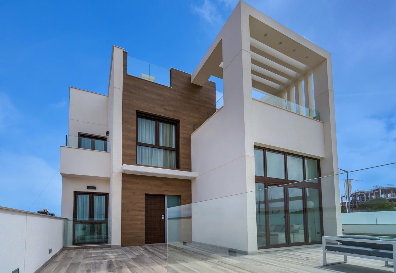 Venta de Villa en Torrevieja - rmes00578